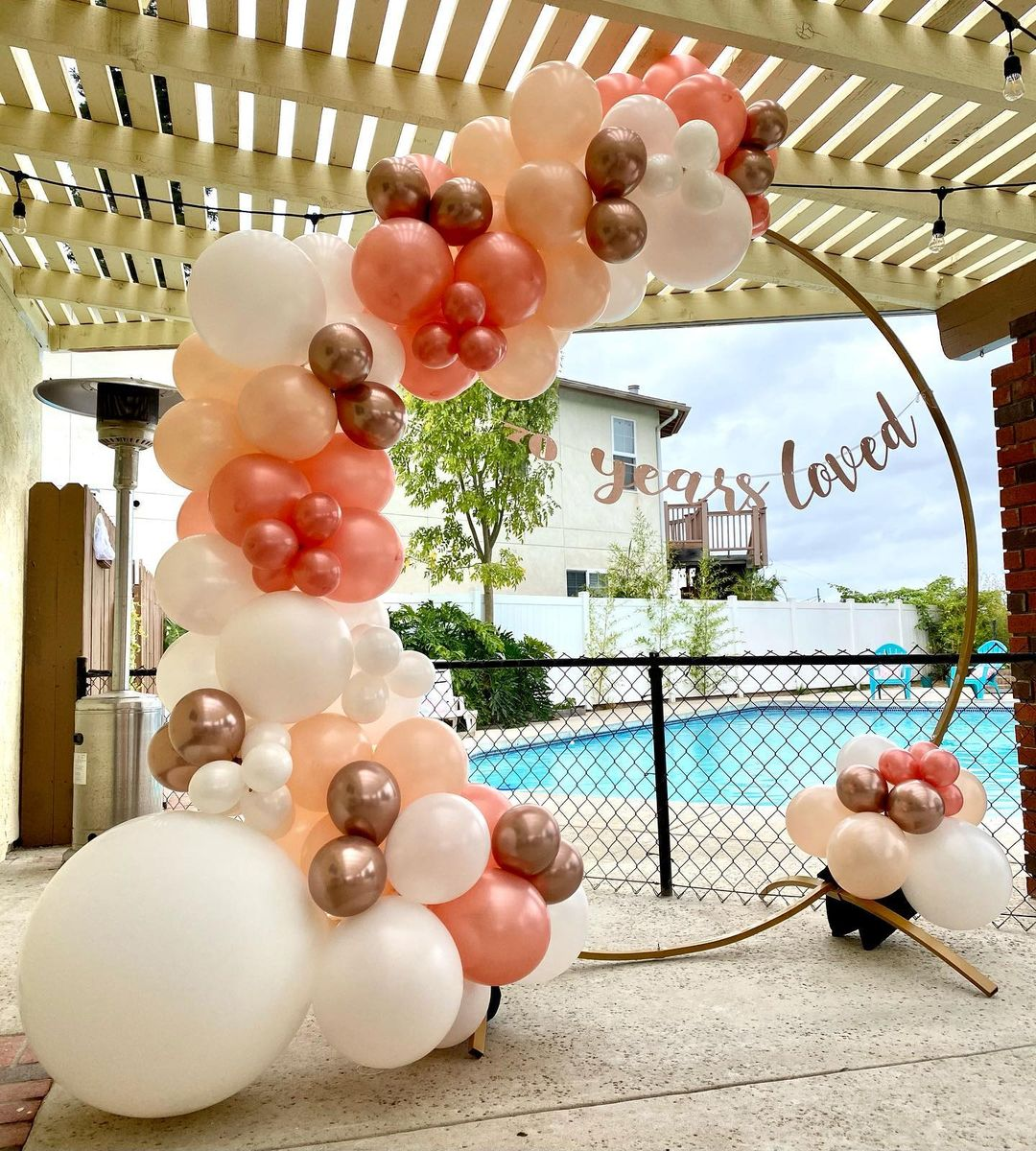 Gold Circle with Balloons Rental in San DIego for Weddings, Birthdays, Gender Reveals, Baby Showers, and Special Occasions