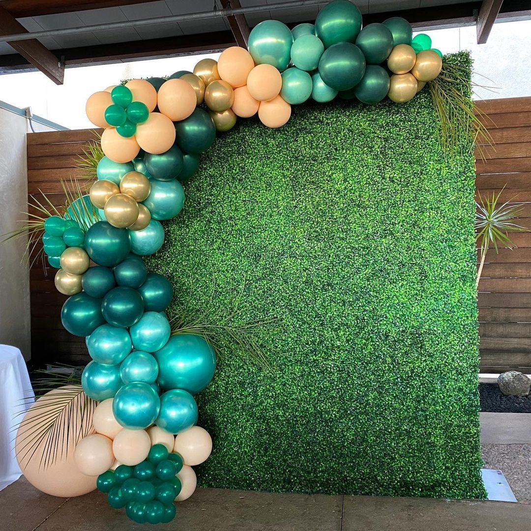Green Hedge Wall Rental in San DIego for Weddings, Birthdays, Gender Reveals, Baby Showers, and Special Occasions